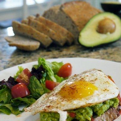 avocado toast with fried egg