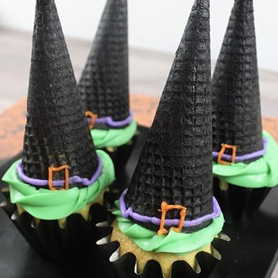Halloween Cupcakes: Witch Hat Cupcakes