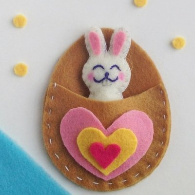 Easter Bunny Felt Craft: Tutorial and Free Pattern