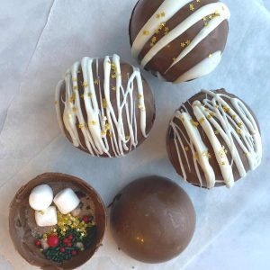 hot chocolate bombs with white chocoalte